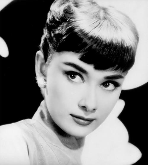 Audrey Hepburn black and white photo